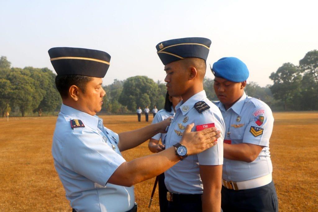 Siswa Sekbang A-94/PSDP TNI Jurusan Helikopter Naik Pangkat