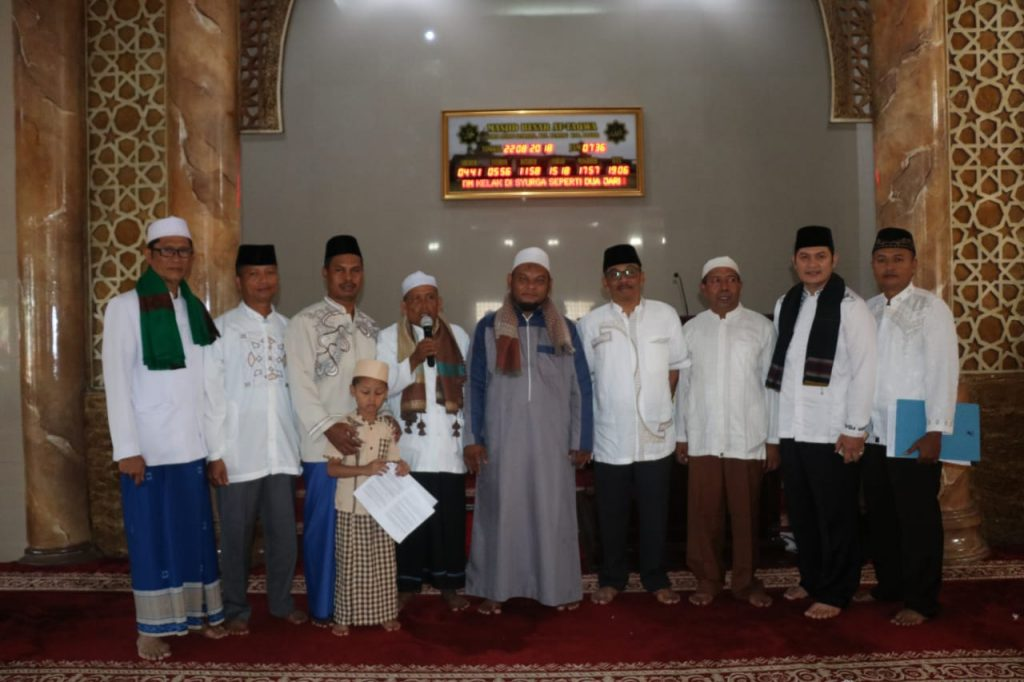 Masjid Besar At Taqwa Lanud Atang Sendjaja Dipenuhi Ratusan Jamaah
