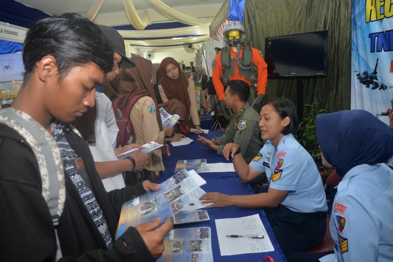 Lanud Abd Saleh Ramaikan Pameran Job Fair Market