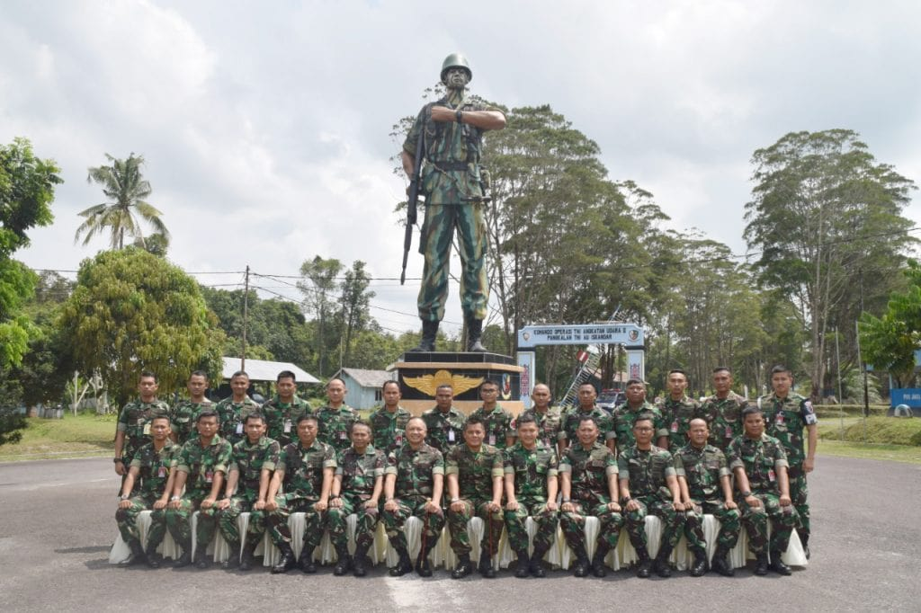 Kuker Pangkoopsau II ke Lanud Iskandar