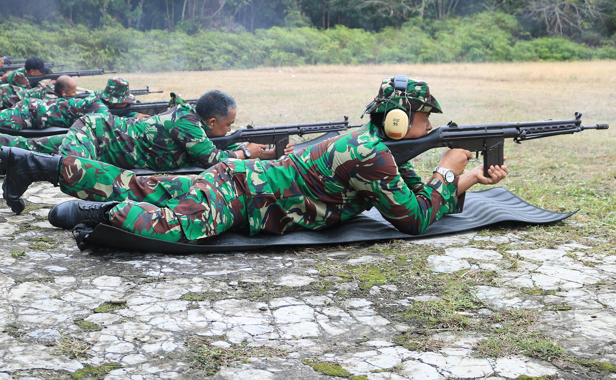 Untuk Meningkatkan Profesionalisme, Lanud Iskandar Laksanakan Latihan Menembak