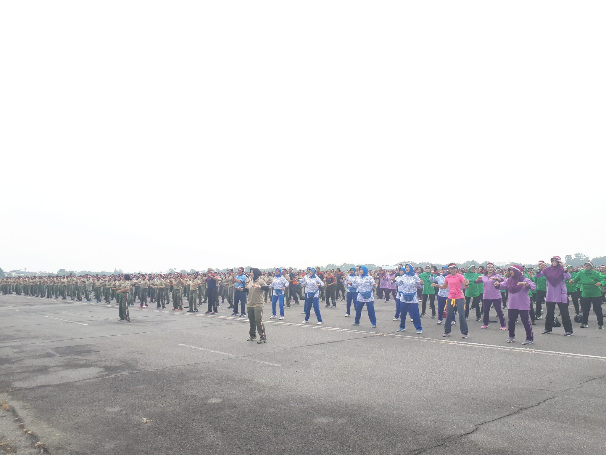 7.000 Prajurit TNI-POLRI Gladi Bersih Tari Gemu Famire Di Lanud Soewondo