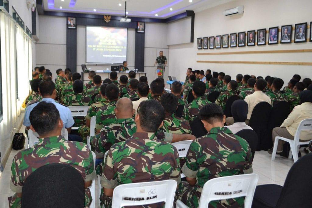 Kunjungan Kerja Pangkoopsau II di Lanud Sjamsudin Noor