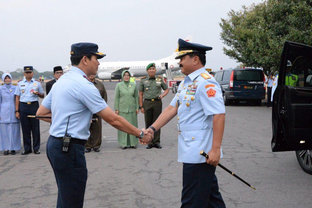 Panglima TNI, singgah di Lanud Iswahjudi usai Ziarah di Makam Gus Dur