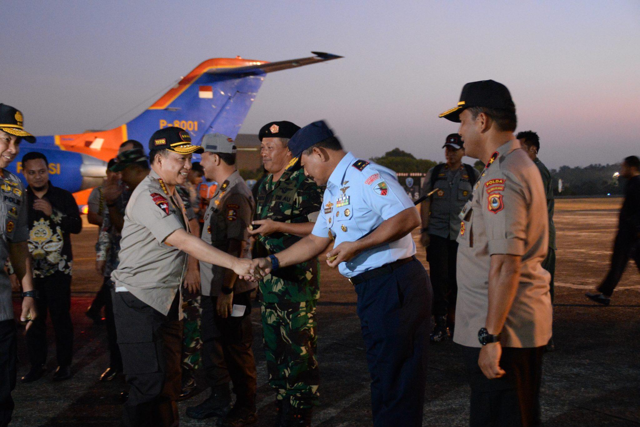Komandan Lanud Sultan Hasanuddin Sambut Kedatangan Kapolri