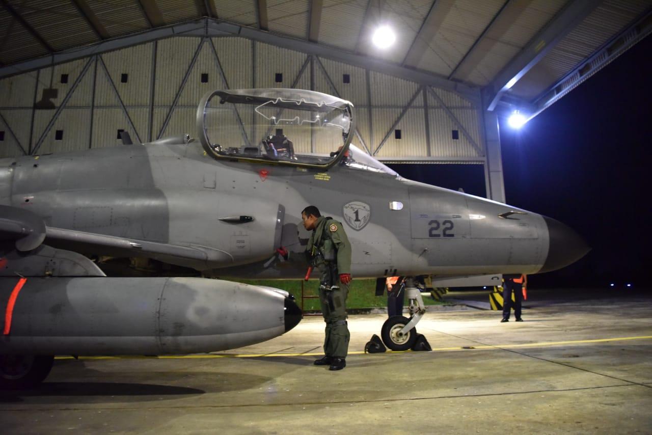 Asah Kemampuan Tempur, Personel Skadron Udara I Lanud Supadio Laksanakan Terbang Malam