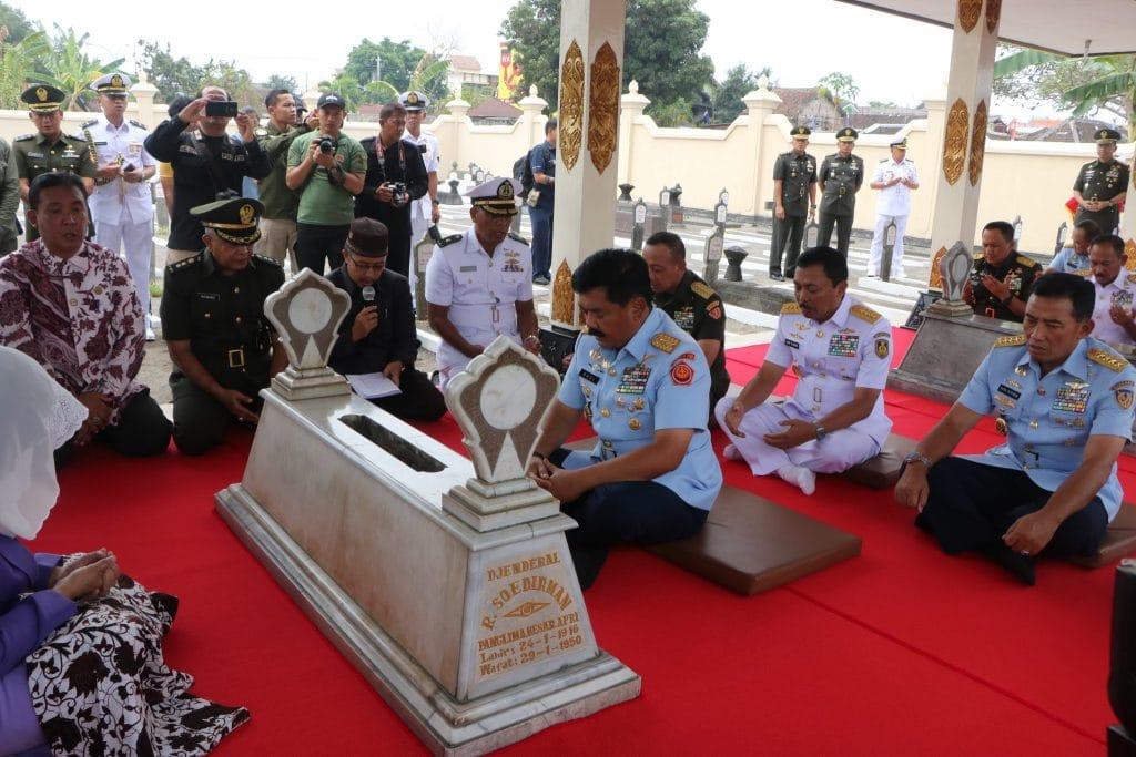 Jelang HUT Ke-73 TNI, Panglima TNI Laksanakan Kegiatan Ziarah ke Makam Panglima Besar Jenderal Sudirman