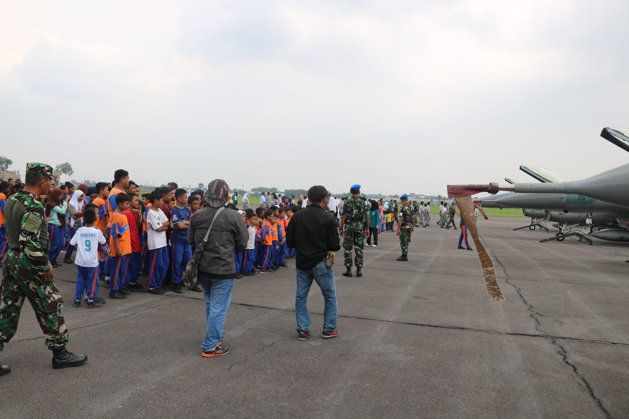 Danlanud Soewondo Sambut Kedatangan 4 Pesawat Tempur F-16