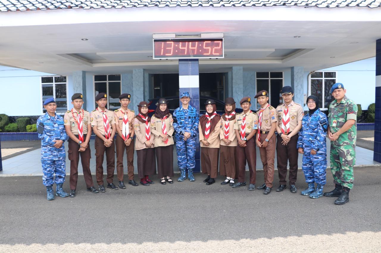Danlanud Husein Sastranegara lepas peserta Air Scout Meeting Saka Dirgantara