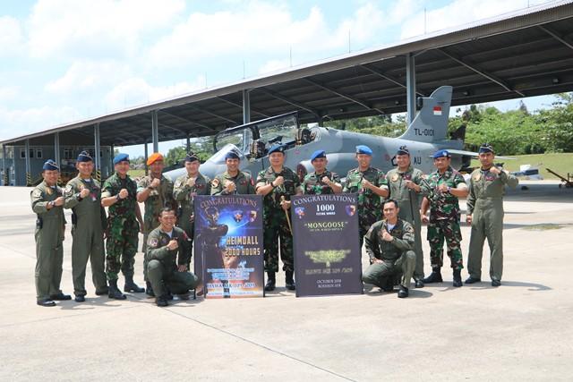 2 Penerbang Skadron Udara 12 capai 2000 dan 1000 Jam Terbang