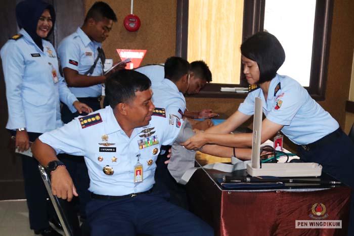 Donor Darah Dalam Rangka HUT ke-73 TNI