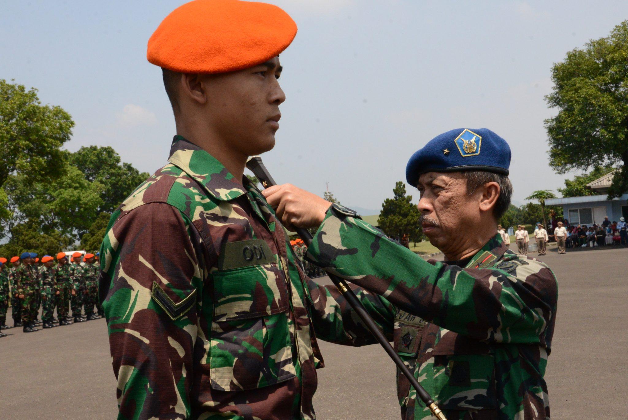 Siswa Susparadas A-185 Raih Brevet Paradas di Lanud Sulaiman