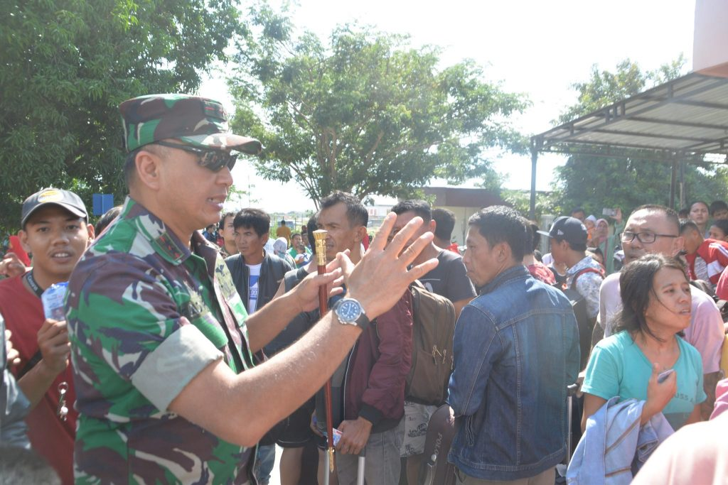 TNI AU Mengangkut 5.800 Orang Korban Gempa
