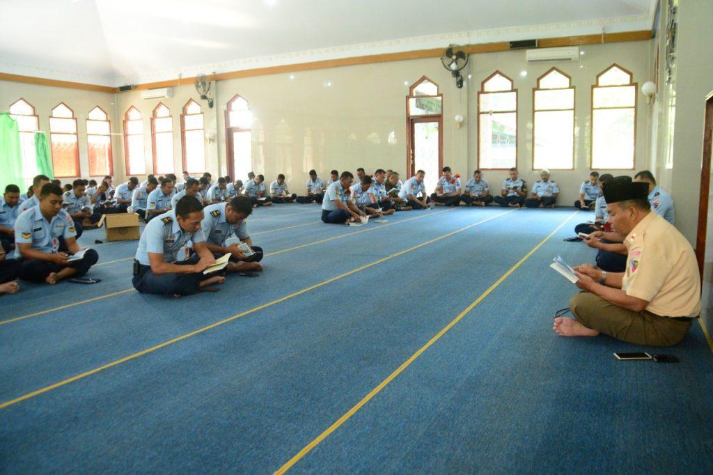 Lanud Atang Sendjaja Gelar Doa Bersama Dalam Rangka HUT TNI 73