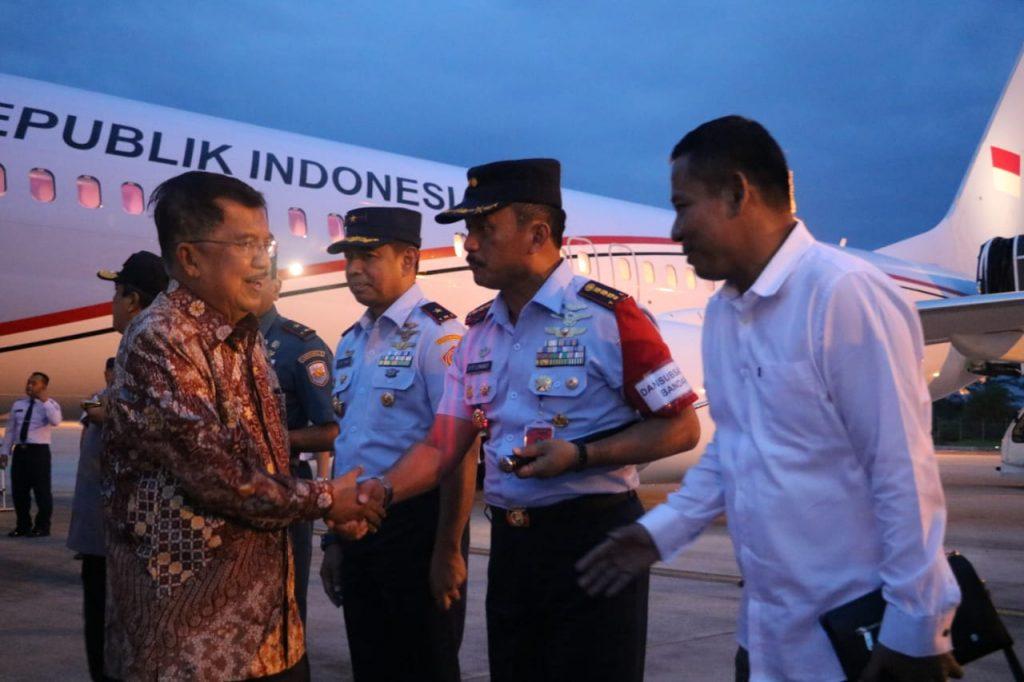 Danlanud Swo Menyambut Kedatangan Wakil Presiden RI