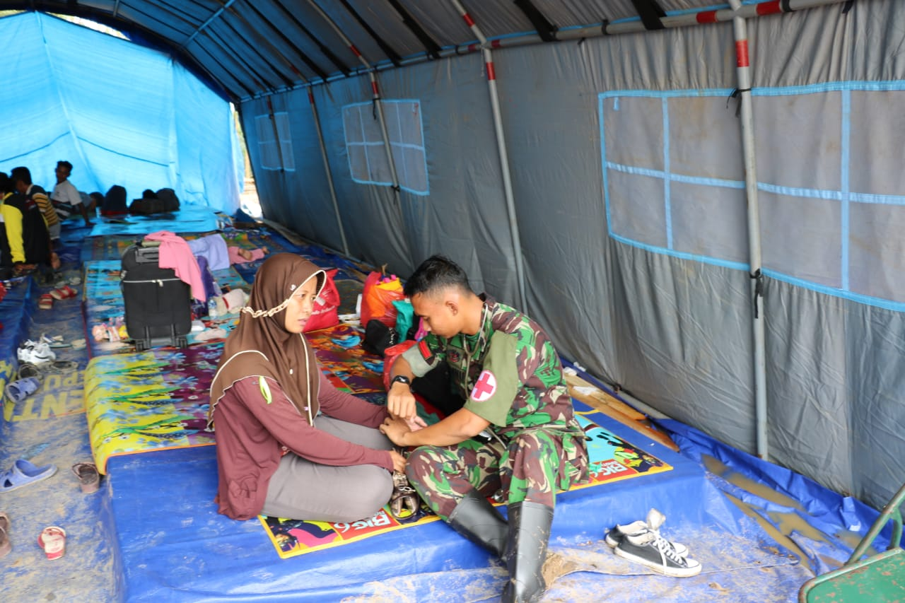 Tim Kesehatan Satgasud TNI AU Tangani Ratusan Pasien