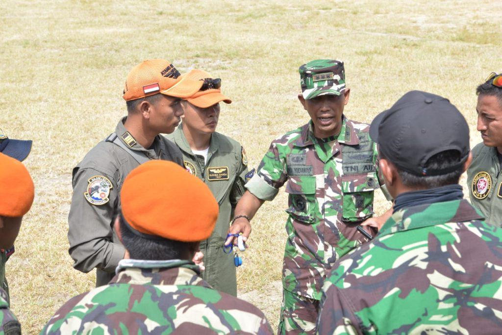 Personel Satgasud TNI AU di Palu Selalu Awali Aktivitas dengan Doa