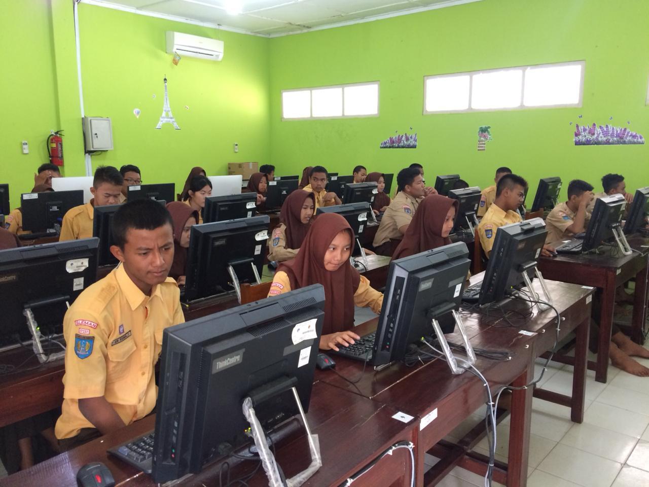 Latih Hadapi Ujian Nasional, Siswa SMP Angkasa Adisutjipto Laksanakan Tryout CBT SIMPLE