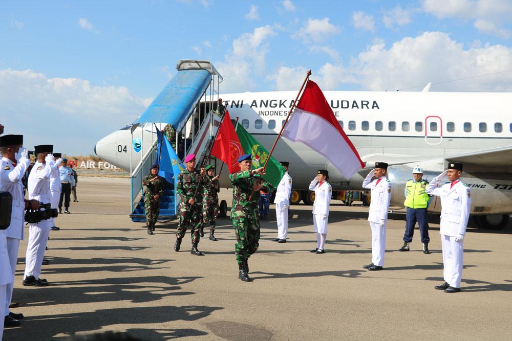 Penyambutan Flag Relay Di Lanud El Tari