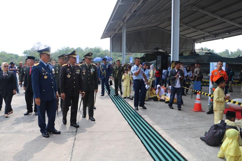 Danlanud Roesmin Membuka Pameran Alutsista TNI
