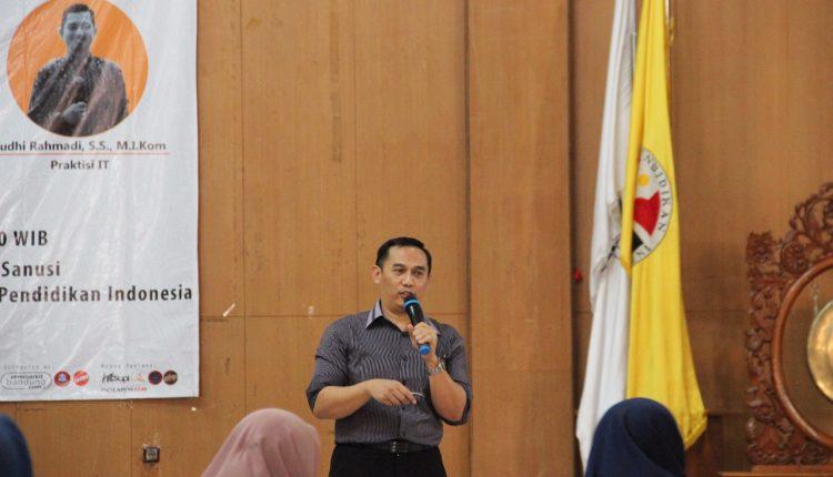 Kolonel Tek Hikmat Zakky Presentasikan Makalah Kepemimpinan Pendidikan 4.0