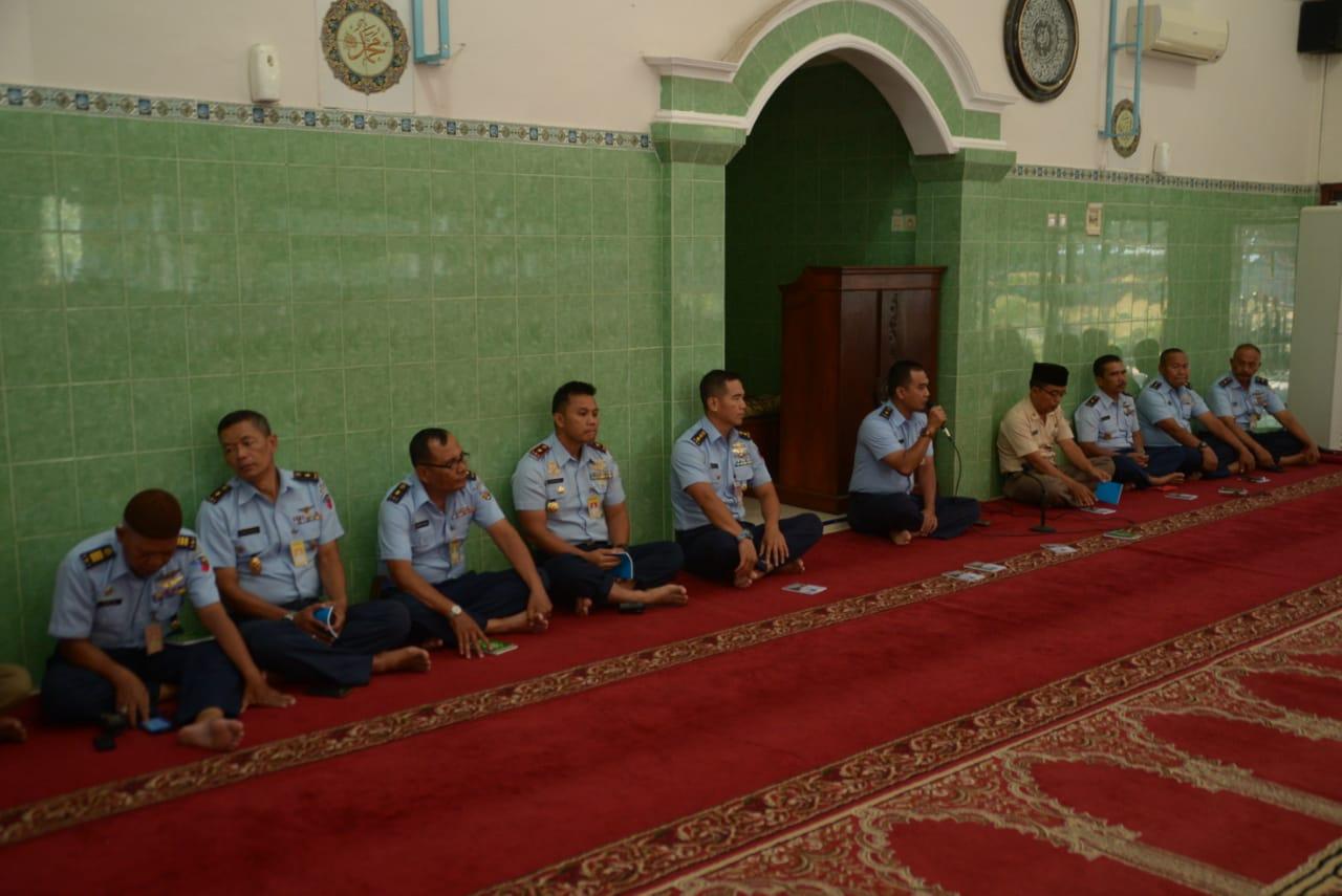 Anggota Lanud Adi Soemarmo Ikuti Doa Bersama