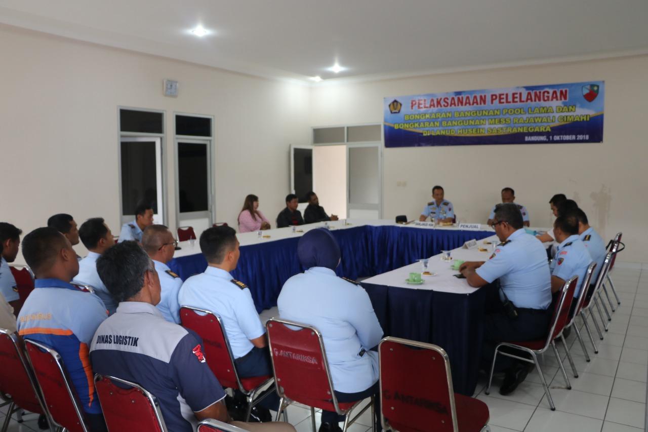 Pelaksanaan Pelelangan Bangunan di Lanud Husein Sastranegara