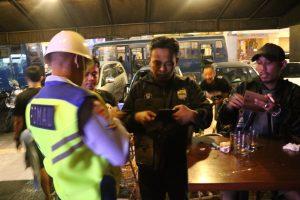 Polisi Militer TNI AU Razia Tempat Hiburan Malam di Bandung