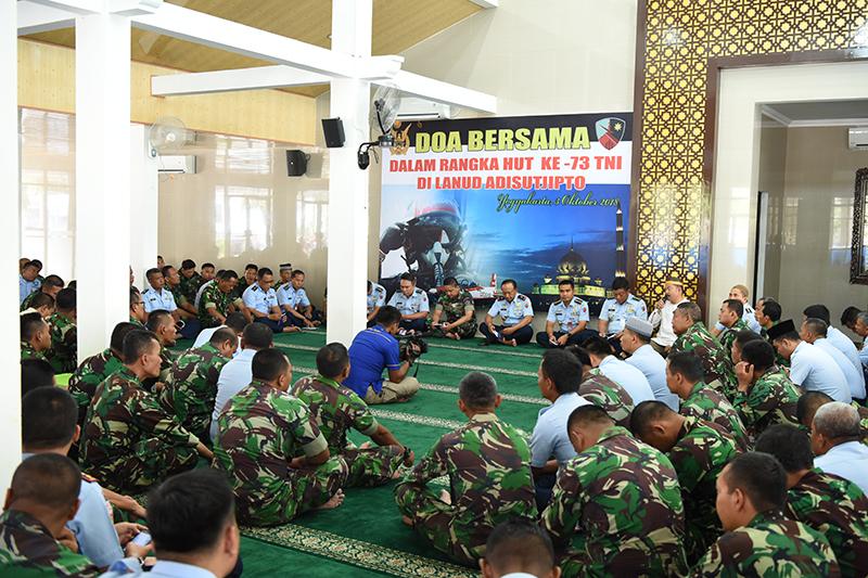 Lanud Adisutjipto Gelar Doa Bersama Untuk Kelancaran HUT ke-73 TNI