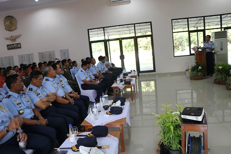 Pengarahan Kasau di Lanud Adisutjipto: Keberadaan Sekolah Penerbang sangat strategis dan mulia.