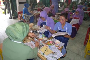 IKKT PWA Cabang 04-Kosekhanudnas III Turut Sukseskan Rekor Muri Membatik