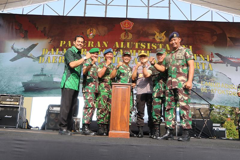 Pameran Alutsista TNI di Lanud Adisutjipto Yogyakarta berlangsung meriah