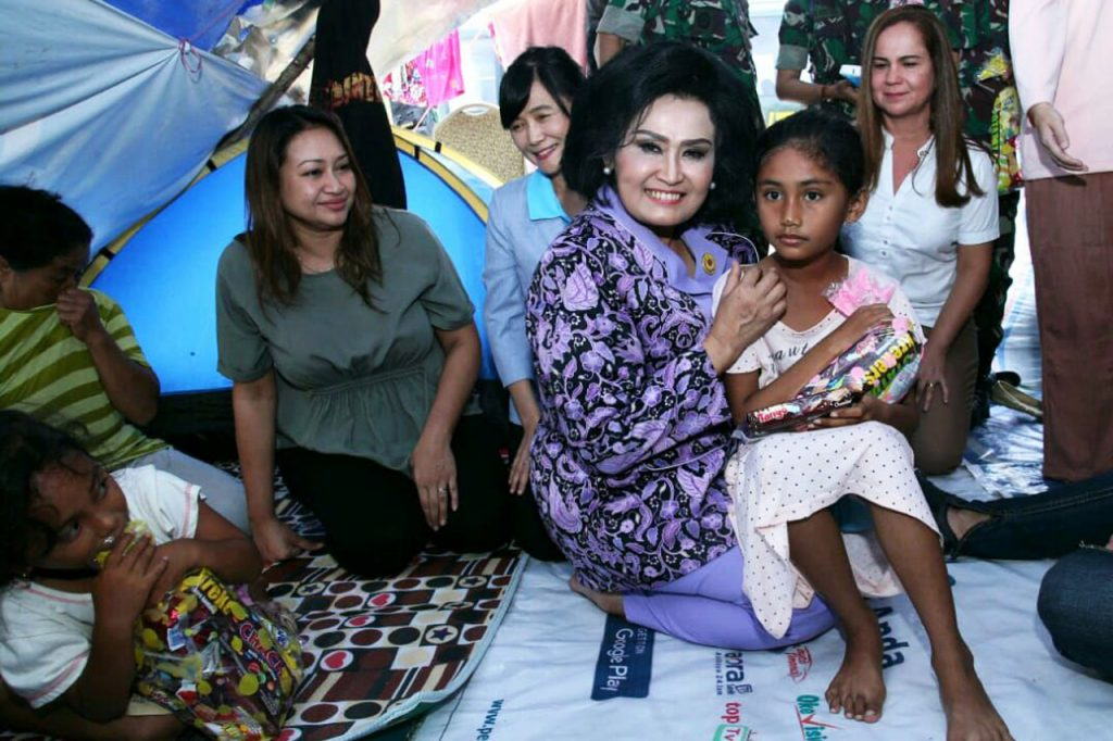 Ketum Dharma Pertiwi Sambangi Korban Bencana Gempa di Palu