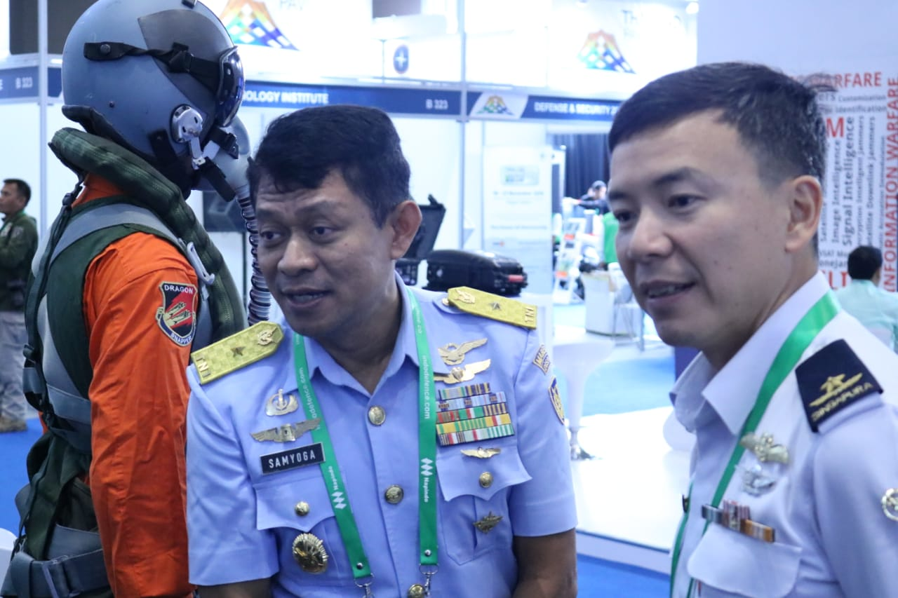 Indo Defence 2018 Expo & Forum: TNI AU Andalkan ADS-B dan Kokpit Simulator F-16 Fighting Falcon