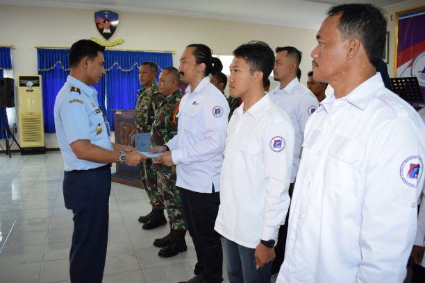 Ketua Fasida Jateng Kukuhkan Pengurus Para Layang dan Terjun Payung
