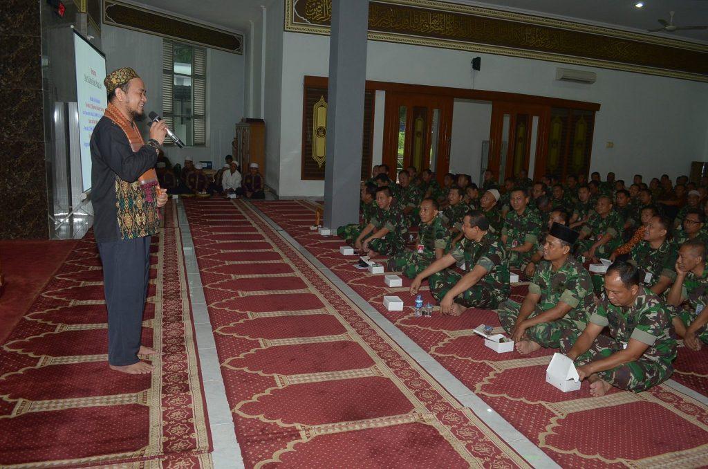 Kang Zain dalam Peringatan Maulud Nabi Muhammad SAW di Makohanudnas