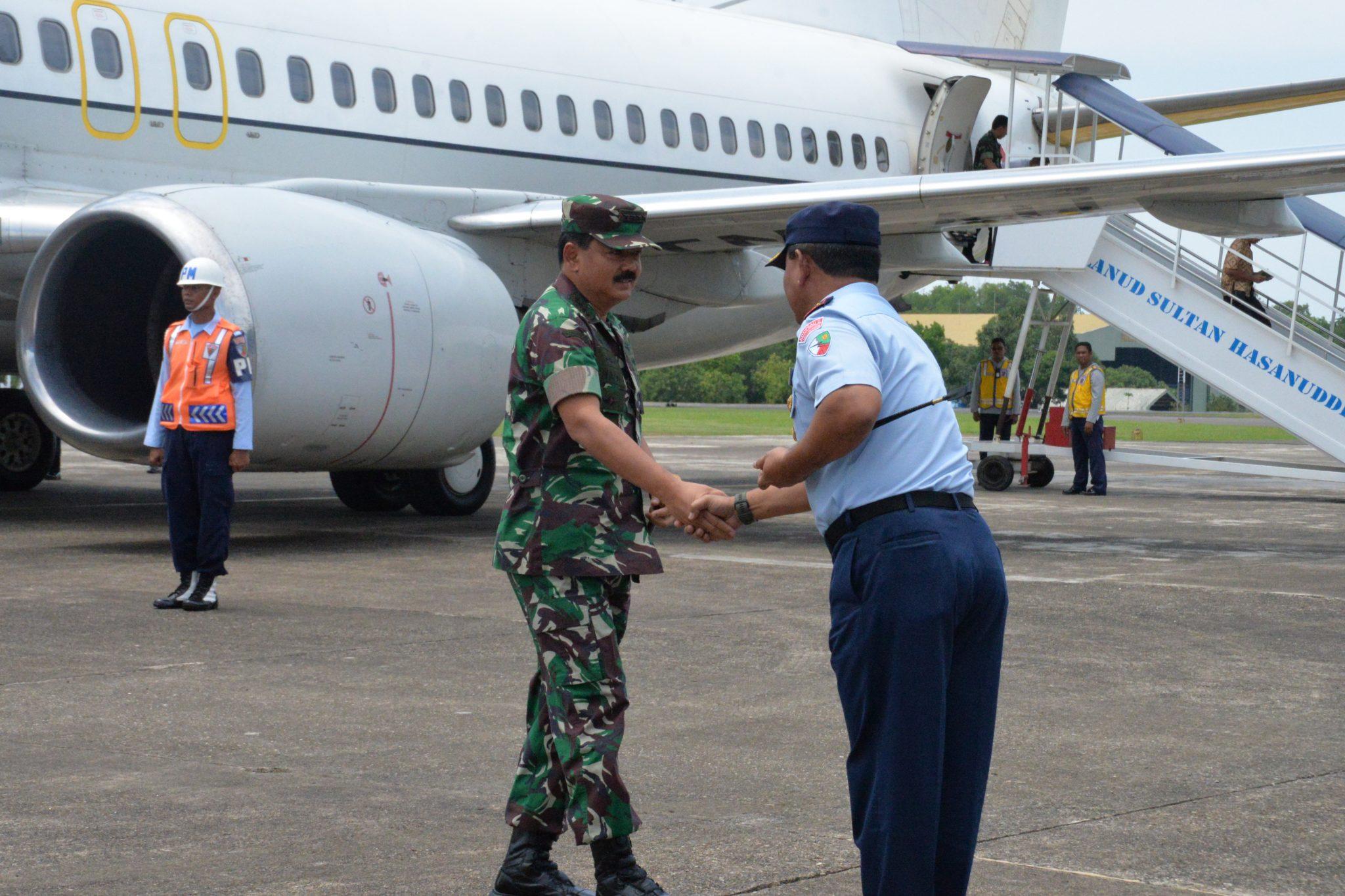 Komandan Lanud Hnd Sambut Kedatangan Panglima TNI
