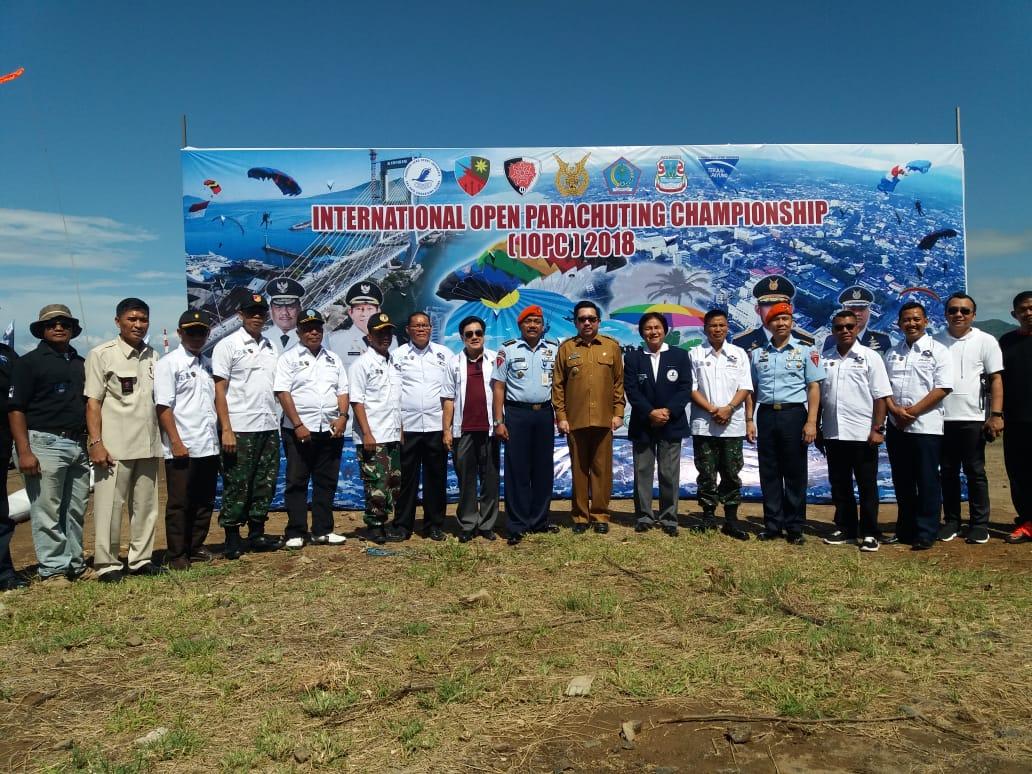 Kejuaraan Terjun Payung Manado International Open Parachuting Championship 2018
