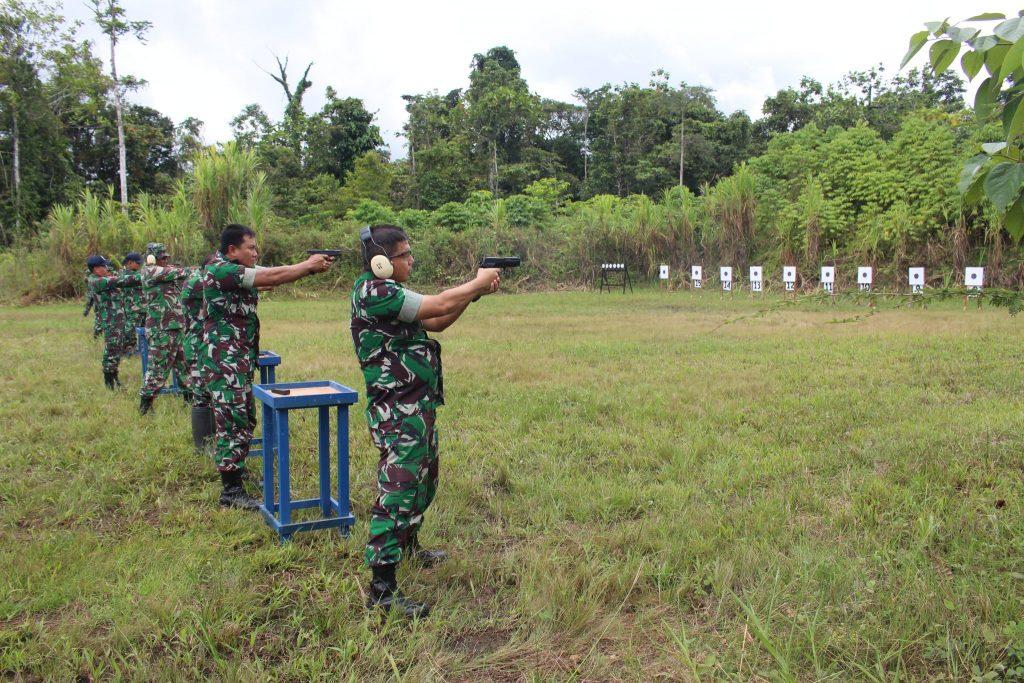 Melatih Kemampuan Lanud Y.Kapiyau Latihan Menembak