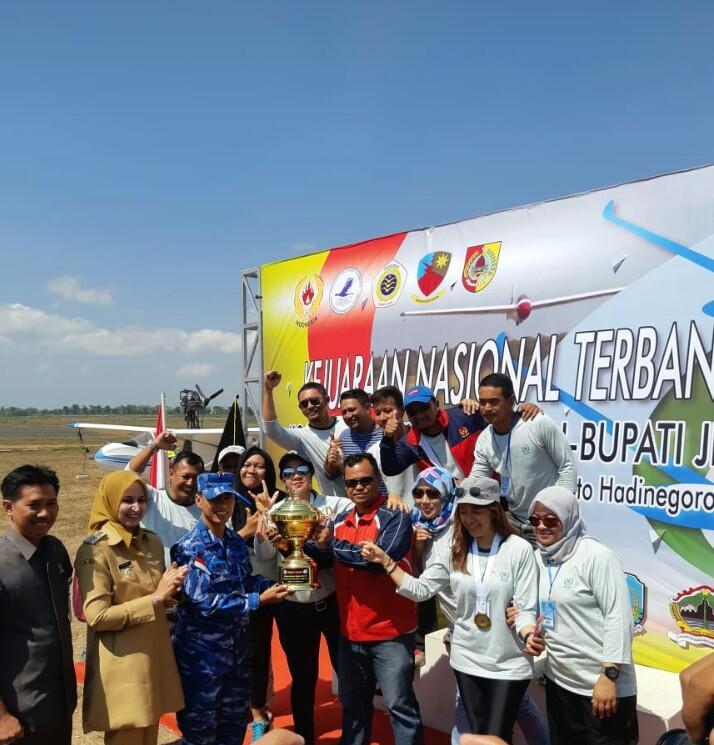 Kontingen Jateng Raih Juara Umum Kejurnas Terbang Layang
