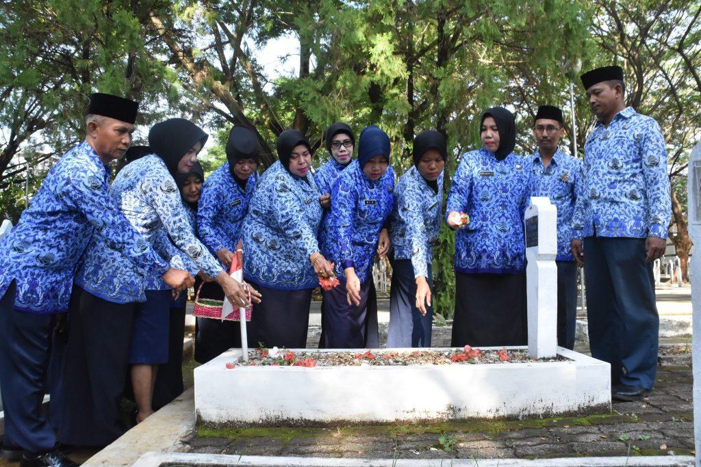 Ziarah Nasional Ke Makam Pahlawan Panaikkang Makassar