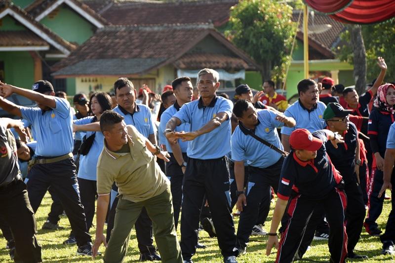 Lanud Pangeran M. Bun Yamin Menghadiri Kegiatan Bakti Sosial serta Olahraga Bersama di Tulang Bawang