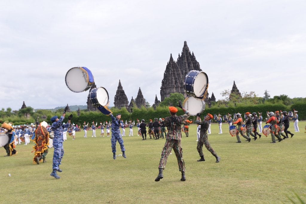 Drumband Gita Dirgantara Tampil pada Acara Heritage Bersama TNI