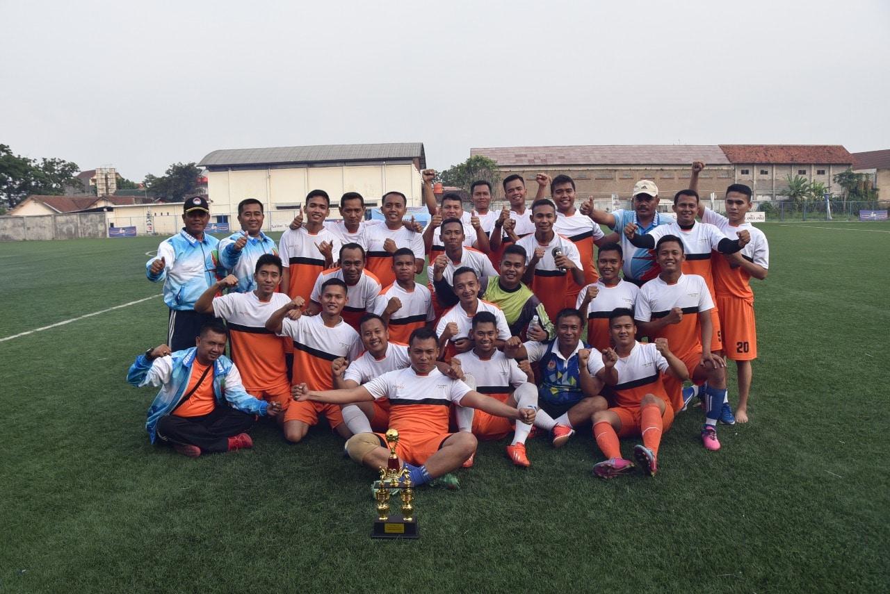 Tim Sepak bola Lanud Husein Raih Juara Dua