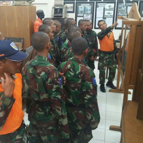 Siswa Semata PK TNI AU A-76 Kunjugi Museum Adi Soemarmo