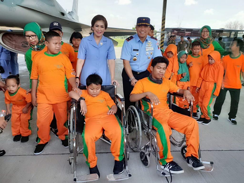 Peringati Hari Disabilitas Internasional, 54 siswa SLB saksikan pesawat tempur