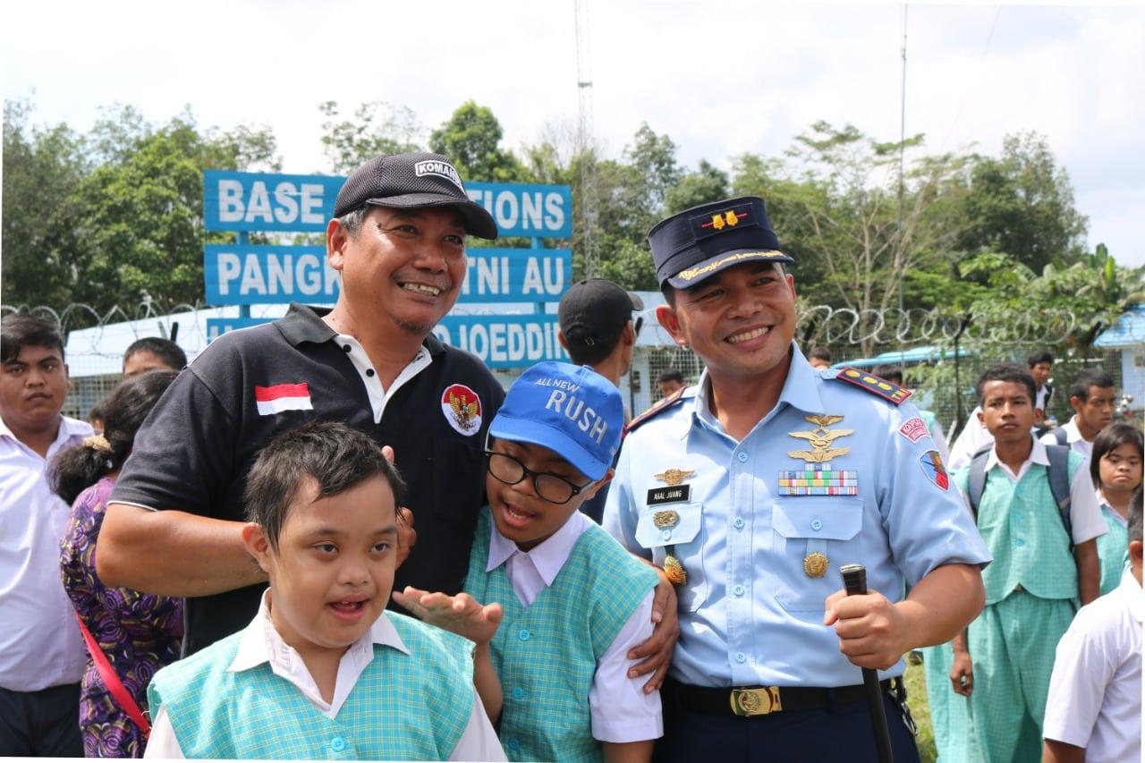 Danlanud ASH Ajak Anak Disabilitas Lihat Alutsista TNI AU
