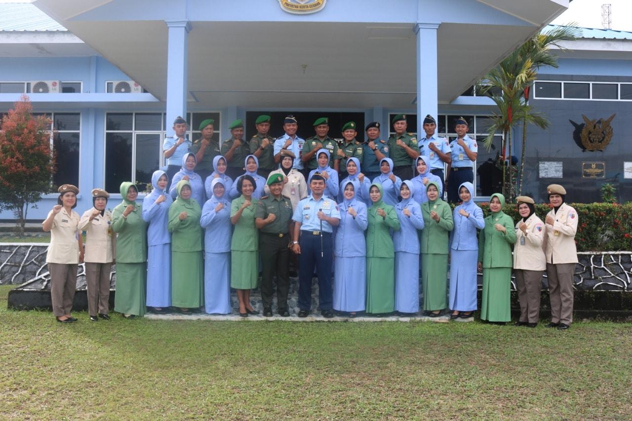 TNI Belitung Kompak Peringati Hari Ibu Bersama