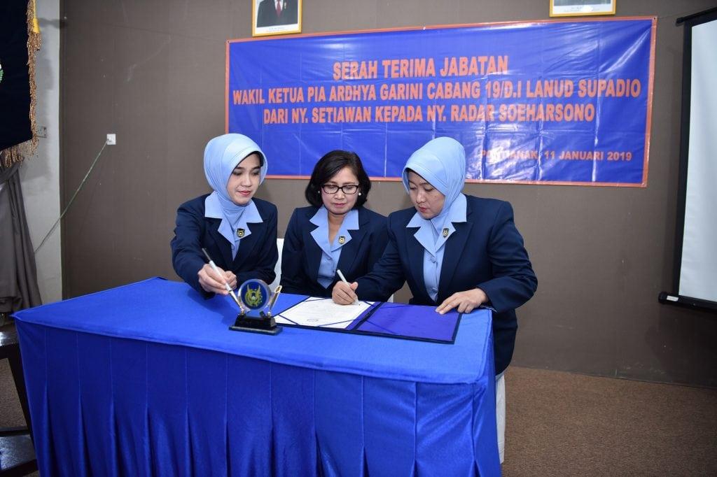 Ny. Radar Soeharsono Jabat Wakil Ketua PIA AG Cabang 19/D.I Lanud Supadio