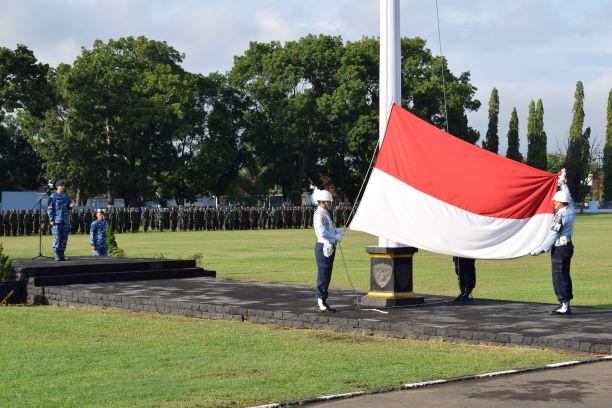 """Panglima TNI : """" Dalam Setiap Pelaksanaan Tugas Pokoknya, TNI Harus Bersatu dan Manunggal Bersama Rakyat"""""""